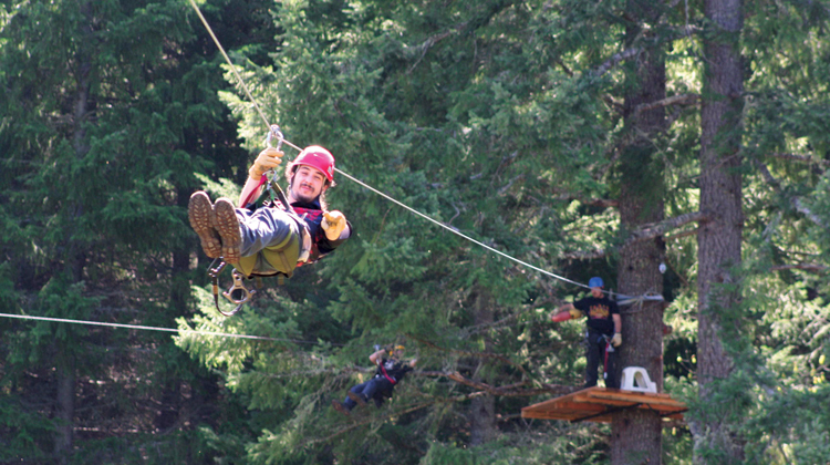 Out'n'About-TreeHouse-Ziplines-cave-junction-750