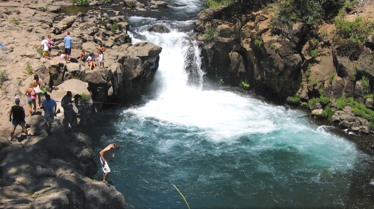 siskiyou things to do, swimming, fishing, waterfalls