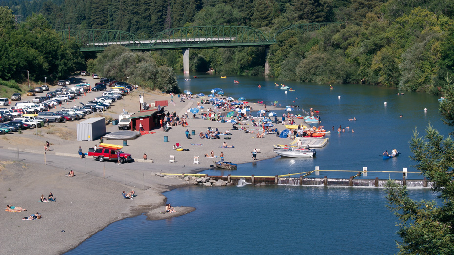 Spend the day at johnson 39 s beach 101 things to do wine for Russian river cabins guerneville