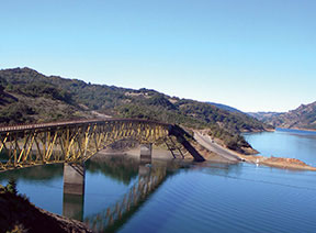 LakeSonoma_bridge